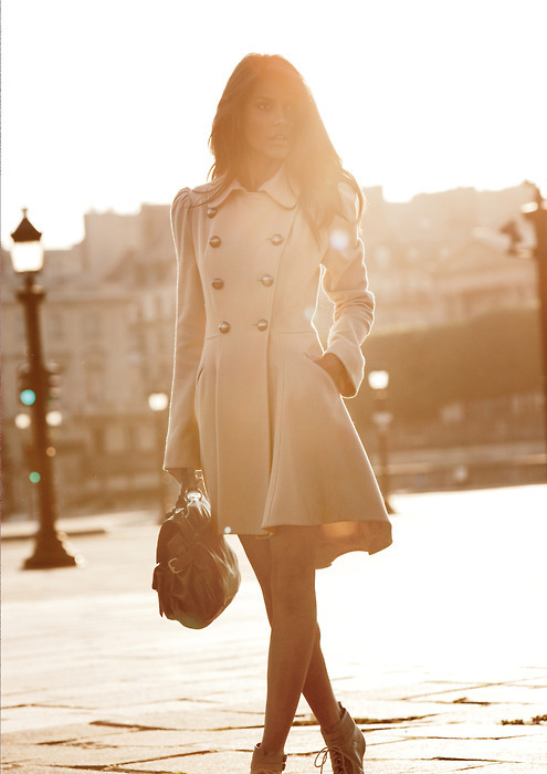 brown, brunette, buttons, coat, cute, emanuela de paula, fahion, fas, fashion, girl, light, model, photograpy, pretty, street style, style, sun, trend