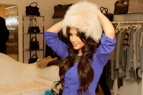 brunette, fashion, girl, hair, hat, kardashian, kim kardashian, shopping