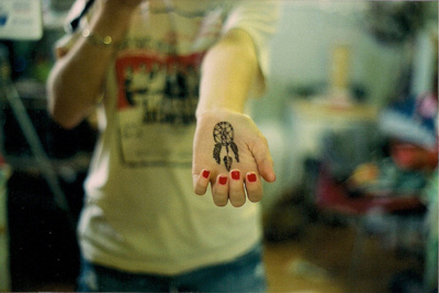apanhador de sonhos, dreams, girl, hands, love