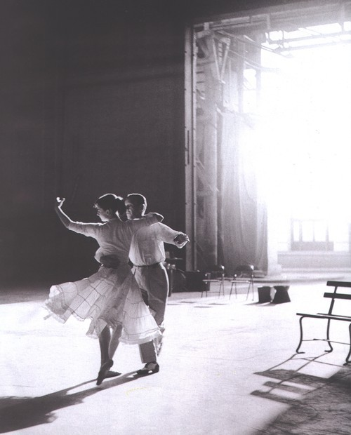 audrey hepburn, b&w, couple, dance, fred astair
