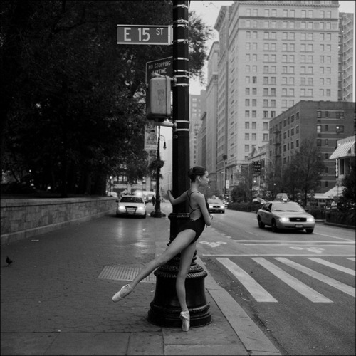 ballerina, ballet, black and white, dance, newyork, pontie, street