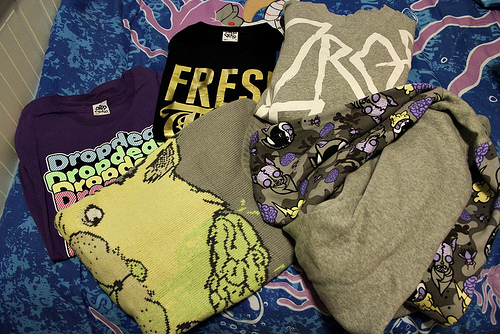 bed, clothes, clothing, drop dead, oli sykes, shirts