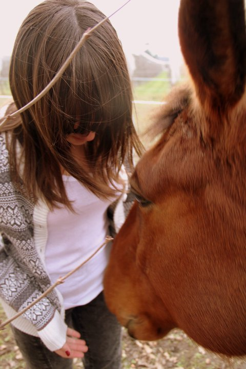 brunette, cool, fashion, fringe, horse, jumper, photography, pretty, vintage