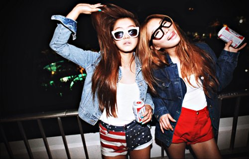america, amigas, beautiful, brunette, cute, fashion, friends, fun, girl, girls, glasses, hair, jackets, jung min hee, model, party, pretty, separate with comma, shades, shirts, shorts, sunglasses, usa
