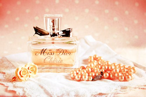 beautiful, cherie, clear, cream, crystal, dior, flower, flowers, fragrance, glass, lovely, miss dior, nice, orange, pastel, pearls, perfume, photo, photography, pink, pretty, ribbon, scent