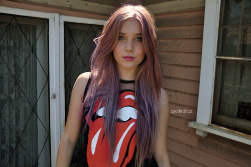 beautiful, colored hair, girl, pretty, red, rolling stones, sweatshirt