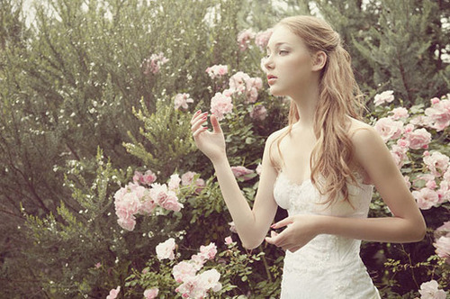 child-like, childlike, fashion, girl, photography, pretty, roses, thin