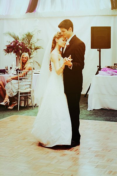 couple, cute, dance, dress, girl and boy, happiness, love, naley, one tree hill, oth, wedding