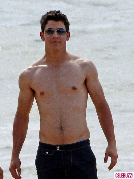 gato, hot, jesus joe!!, jonas, lindo, maravilhoso, nick, nick jonas, nick shirtless, omg
