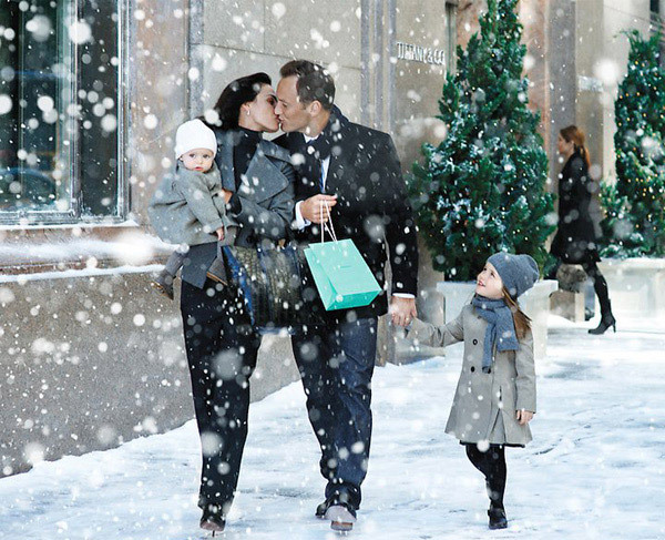 family, jewellery, kiss, love, snow