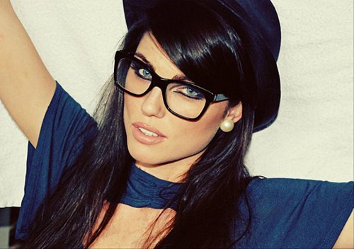 aww, beautiful, blue eyes, british, cliffe, cute, diva, elite models, fashion, geek, girl, glasses, gorgeous, hair, louise, louise cliffe, louise cliffe brasil, louise cliffe brazil, lovely, model, nerd, old, oldies, photography, pretty, shaya faz, style