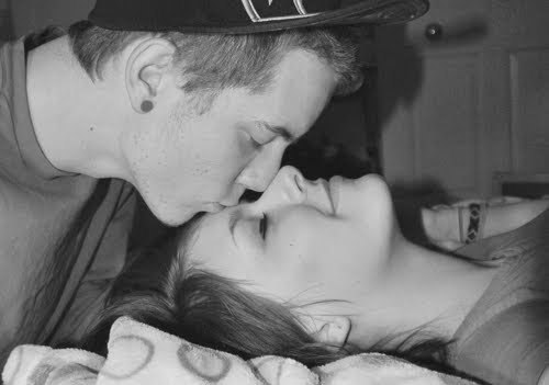 b&w, black and white, boy, brunette, couple, cute, fashion, girl, guy, hair, kiss, love, plugs