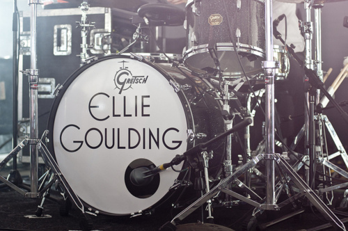 band, black and white, concert, drums, ellie goulding