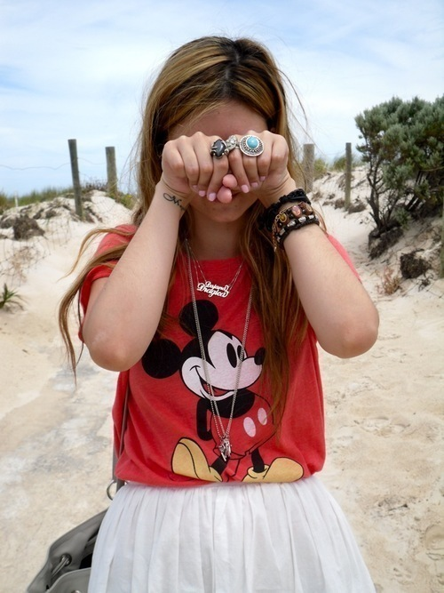 beach, blonde, brunette, cute, fashion, girl, hair, hands, like, look, minnie, mouse, photo, pretty, sand, separate with comma, so cute, summer
