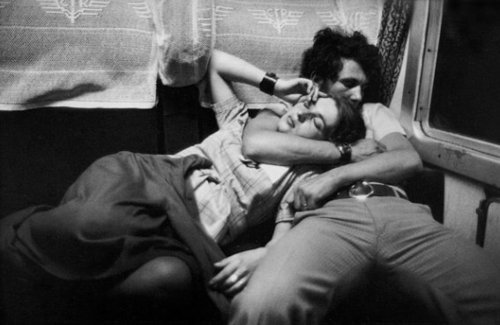 black and white, couple, henri cartier bresson, photography, sleeping