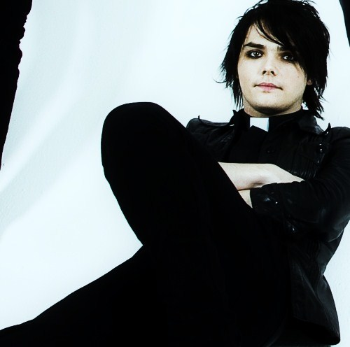 black  cute  gerard way  guy  mcr  my chemical romanceGerard Way Cute