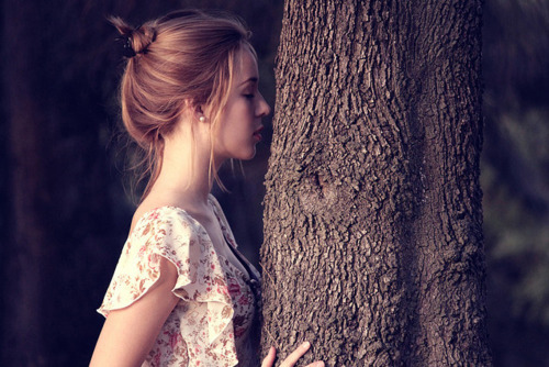 blonde, dream, dreaming, dreamy, fashion, floral, girl, hair, knot, peace, peaceful, pretty, rest, tree