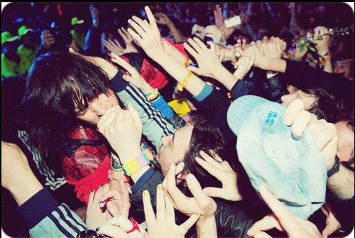 concert, crowd, happy, jules, julian casablancas, music, people, photograph, the strokes