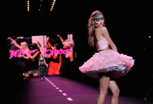 betsey johnson, cute, fashion, fashion show, fluffy