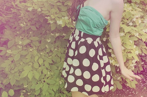 black, clothes, couple, cute, dress, fashion, girl, green, hair, love, nature, photography, polka dots, pretty, vintage