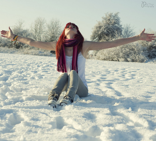 cute, girl, neveee, ragazzaaa, red, red hair, rossooo, scarf, smemo, smemoranda, snow