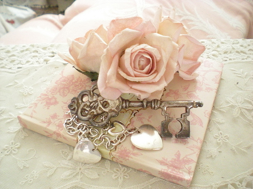 floral, flower, girly, key, lace