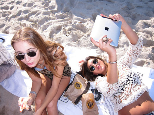 apple, beach, girls, ipad, showing off, summer, sunglasses