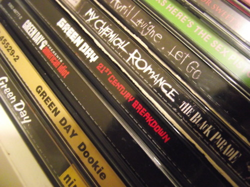 21st century breakdown, american idiot, avril lavigne, cds, dookie