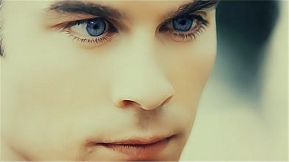 damon salvatore blue eyes