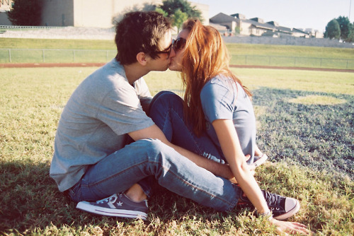 boy, converse, couple, girl, kiss, love, sunglass