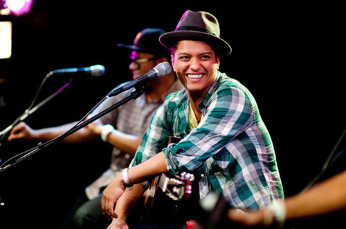 bruno mars on planet mars - photo #35
