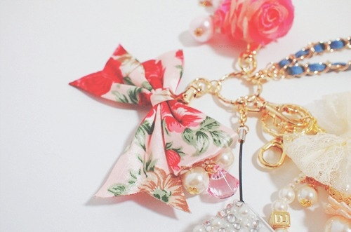 bow, chain, cute, fashion, floral, flower, key ring, lace, pearls, pretty, rose