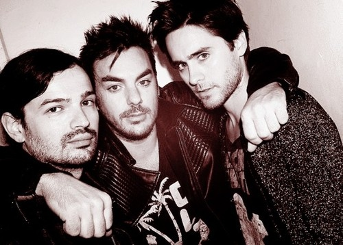 30 seconds to mars, 30stm, band, black and white, brunette, jared leto, leto, music, musician, photography, rock, shannon leto, tomo milicevic