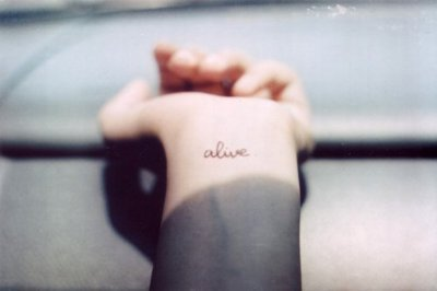 alive, cassie love it, tattoo, text