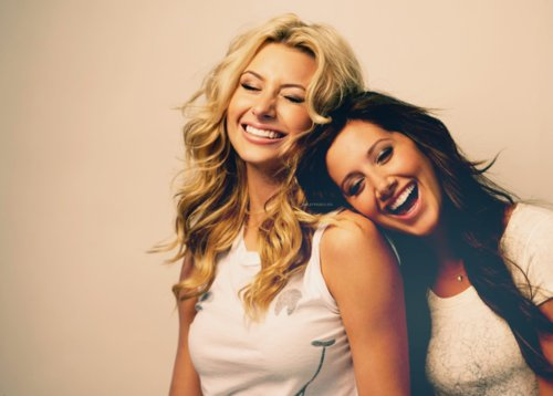 aly michalka, amigas, ashley tisdale, blonde, brunette