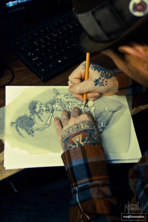 artist drawing tattoos Added Nov 18 2011 Image size 513x770px