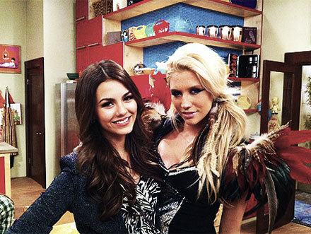 beautiful, brilhante victoria, cute, ke$ha, kesha, victoria justice, victorious