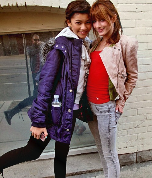 bella thorne, fashion, friends, girls, readhead, skinny, toronto, zendaya, zendaya coleman