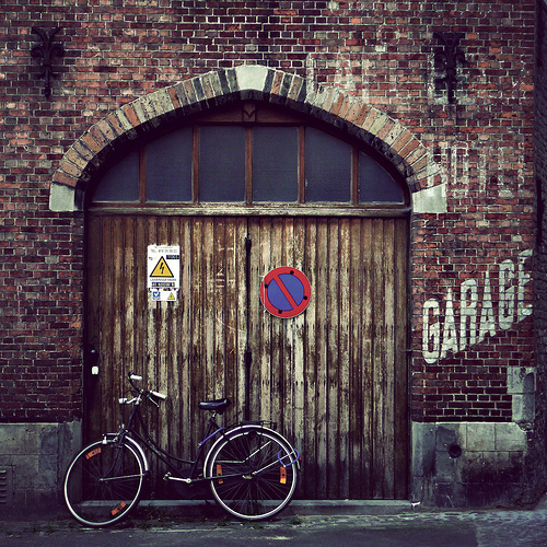 bike, garage, hipster, indie, life, lovely, run down, simple, street, vintage