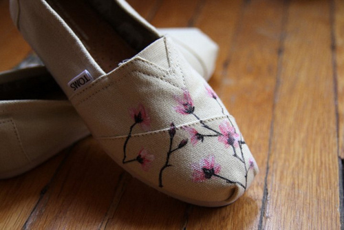 cute, design, fashion, floor, floral, flowers, pink, shoe, shoes, toms, want