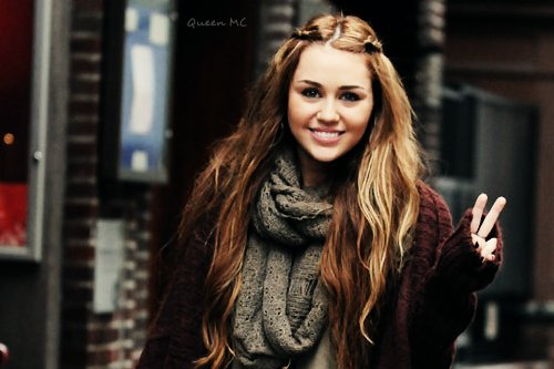 hair, miley cyrus, peace sign, pretty, scarf