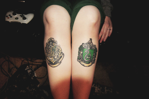 harry potter, harry potter tattoo, hogwarts, leg tattoo, legs tattoo
