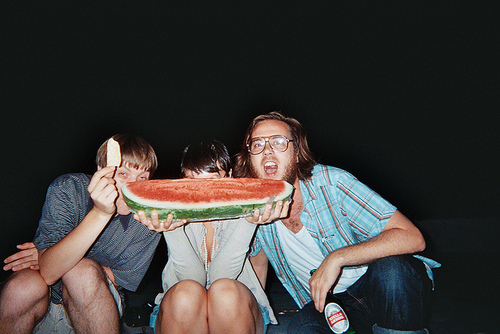 amigo, amigos, boy, crazzy, eat, food, friend, friends, fun, girl, glasses, happy, man, melancia, smile, watermelon, woman