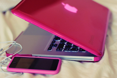 apple, iphone, laptop, pink, separate with comma