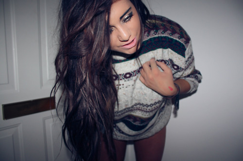 beautiful, girl, pretty, shorts, skinny, summer, sweater, tan, thin