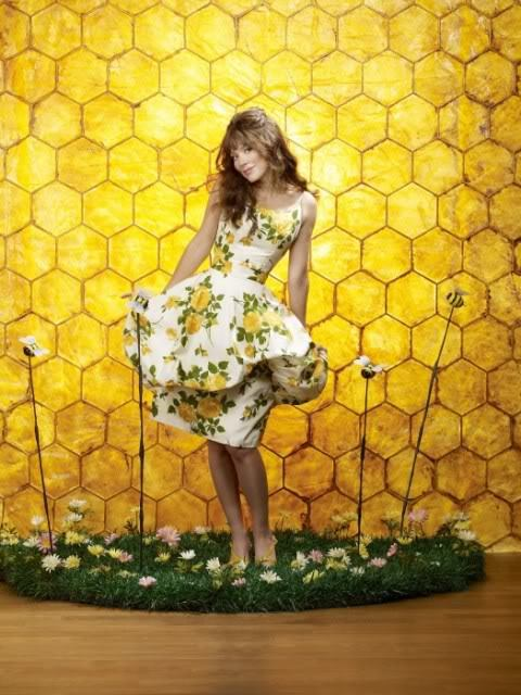 anna friel, girl, pushing daisies, yellow
