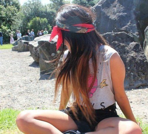 how to wear a bandana for festival