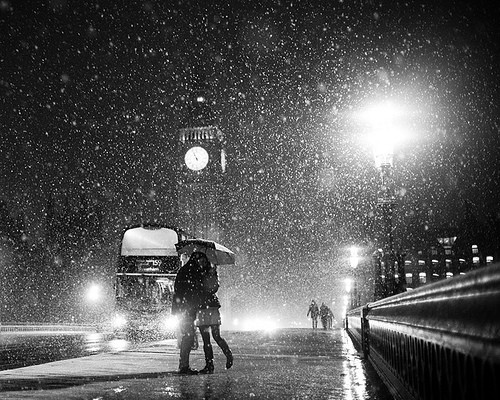 beautiful, big ben, bridge, bus, couple, cute, double decker, kissing, london, rain, snow, streetlight, umbrella, venice