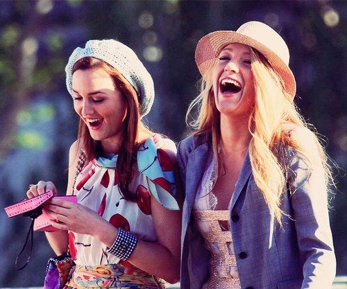 bff, blair waldorf, blake lively, fashion, friends, girls, gossip girl, laughing, leighton meester, serena van der woodsen, xoxo