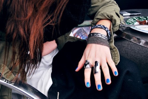 blue, lisa olsson, militar, nails, rings